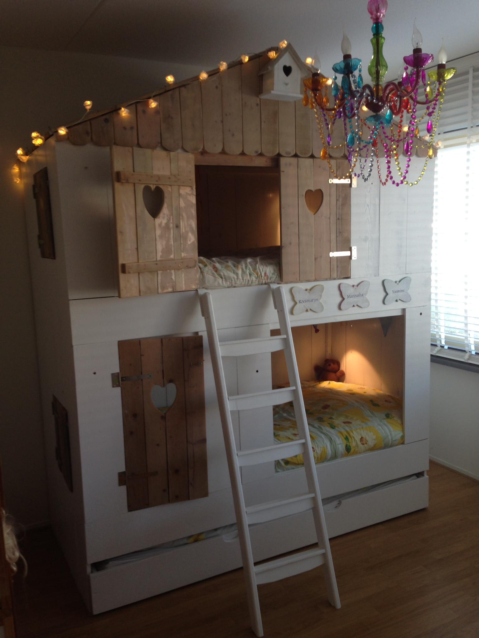 Knusse bed huisjes voor in de kinderkamer leef interieuradvies - Lay outs ruimte van de jongen ...